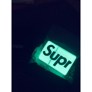 ジッポー(ZIPPO)のSupreme Glow In The Dark Zippo White(タバコグッズ)