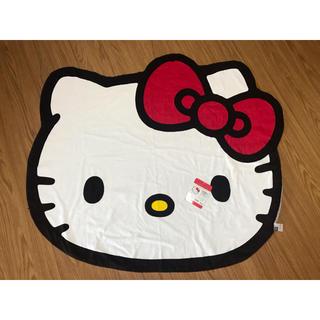ハローキティ - 【新品】ハローキティのフェイス型のキュートなダイカットお昼寝ケット!