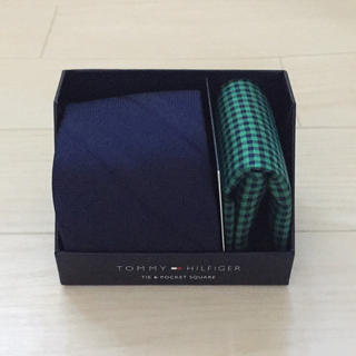 トミーヒルフィガー(TOMMY HILFIGER)の新品 Tommy Hilfiger ネクタイ&ポケットチーフ(ネクタイ)