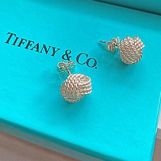 Tiffany & Co. - tiffanyツイストノットピアス
