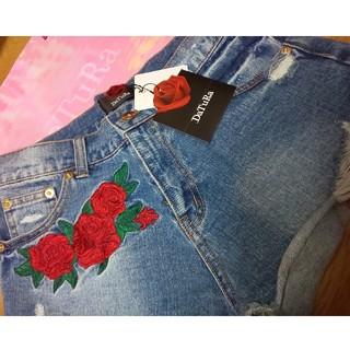 ダチュラ(DaTuRa)のDaTuRa 薔薇柄刺繍 ショートパンツ(ショートパンツ)