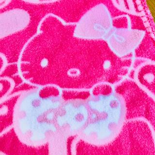 ハローキティ - ○あったかかわいいハローキティブランケット♡ひざかけ フリース 毛布 サンリオ