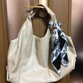 レプシィム(LEPSIM)のレプシィム スカーフ付きソフトバッグ(ハンドバッグ)