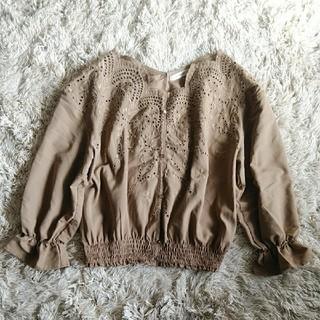 ダブルクローゼット(w closet)のWcloset 刺繍ブラウス(シャツ/ブラウス(長袖/七分))