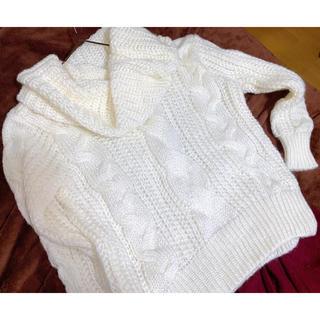 GU - タートルネックセーター