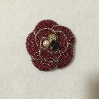 お花ビーズ刺繍ブローチ(コサージュ/ブローチ)