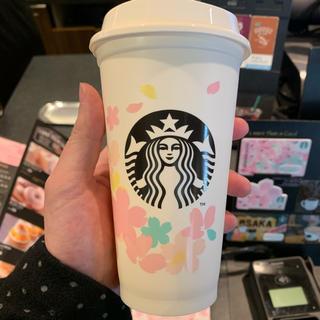 スターバックスコーヒー(Starbucks Coffee)の大人気 SAKURA 2020 リユーザブルカップ(白色) 473ml(グラス/カップ)