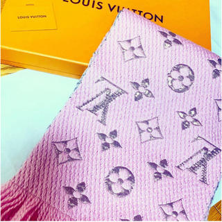 LOUIS VUITTON - ルイヴィトン ロゴマニア マフラー