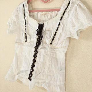 アクシーズファム(axes femme)のヴィンテージ デザイン 半袖 ブラウス シャツ ホワイト 白 レース リボン(シャツ/ブラウス(半袖/袖なし))