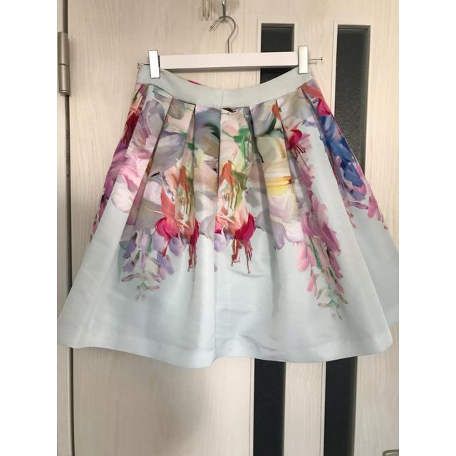 TED BAKER(テッドベイカー)のted baker ♪水彩画風 花柄スカート1 レディースのスカート(ミニスカート)の商品写真