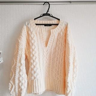 ダブルクローゼット(w closet)のw closet ★白キーネックニット(ニット/セーター)