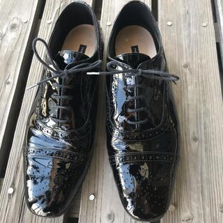 ファビオルスコーニ(FABIO RUSCONI)の【美品】Fabio Rusconi ブラックエナメルレースアップシューズ(ローファー/革靴)