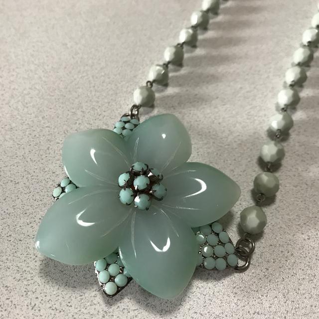 JILLSTUART(ジルスチュアート)のジルスチュアート ♡お花の大きなネックレス レディースのアクセサリー(ネックレス)の商品写真