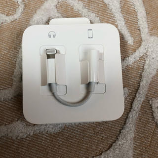 アイフォーン(iPhone)の変換アダプター 変換ケーブル iPhoneイヤホン(変圧器/アダプター)