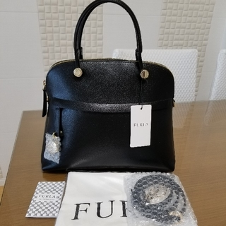 Furla - 新品未使用 FURLA フルラ パイパー M