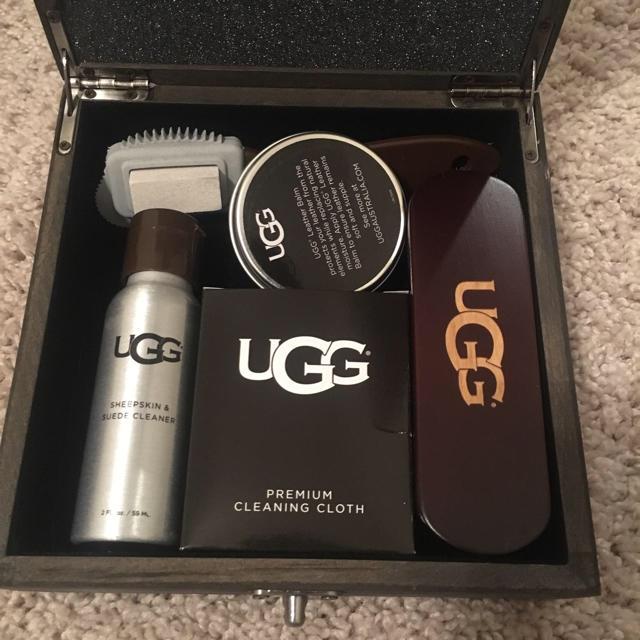 UGG(アグ)のめぐみ様専用☆ UGG  シューケアセット 新品未使用 レディースの靴/シューズ(その他)の商品写真