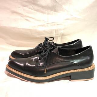 ザラ(ZARA)の美品ZARA❤︎黒レースアップシューズ❤︎25㎝(ローファー/革靴)