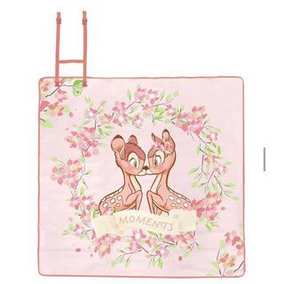ディズニー(Disney)のディズニー 台湾限定 桜のダンボ バンビ レジャーシート ピクニックシート (その他)