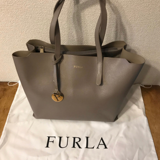 Furla - フルラ バッグ サリー グレージュ