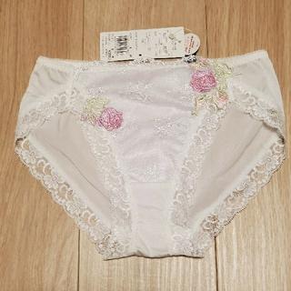 Wacoal - Wacoal サルート ショーツM 白×ピンク花