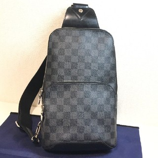 LOUIS VUITTON - ルイヴィトン グラフィット アヴェニュー スリングバッグ