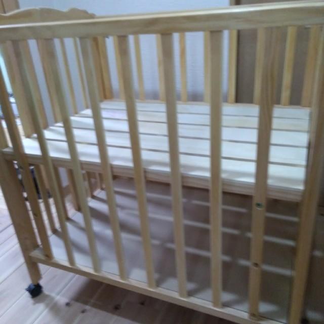 パタン折りたたみミニベビーベッド キッズ/ベビー/マタニティの寝具/家具(ベビーベッド)の商品写真