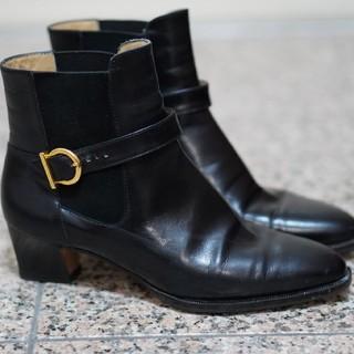 サルヴァトーレフェラガモ(Salvatore Ferragamo)のフェラガモ ショートブーツ(ブーツ)