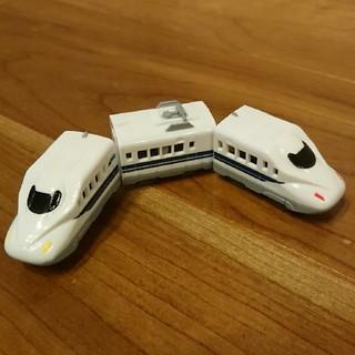 タカラトミーアーツ(T-ARTS)のカプセルプラレール「手押しタイプ N700系新幹線 3両編成セット」(鉄道模型)