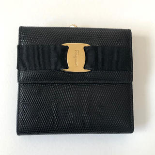 Salvatore Ferragamo - サルバトーレフェラガモFerragamo/折り財布 ヴァラ レザー 黒 がま口
