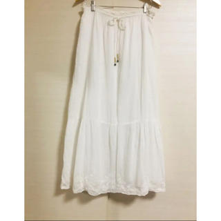 トゥモローランド(TOMORROWLAND)の美品 トゥモローランド MACPHEE  裾レース刺繍マキシロングスカート (ロングスカート)