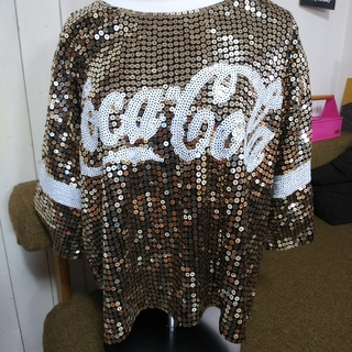 コカコーラ(コカ・コーラ)のコカ・コーラ スパンコールTシャツ(Tシャツ(半袖/袖なし))