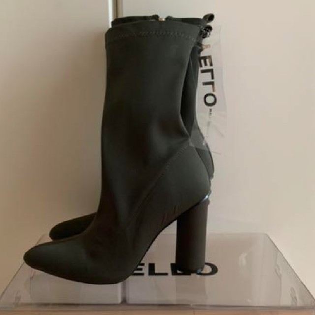 Yellow boots(イエローブーツ)の 期間限定値下げYELLO  ショートブーツ カーキ レディースの靴/シューズ(ブーツ)の商品写真