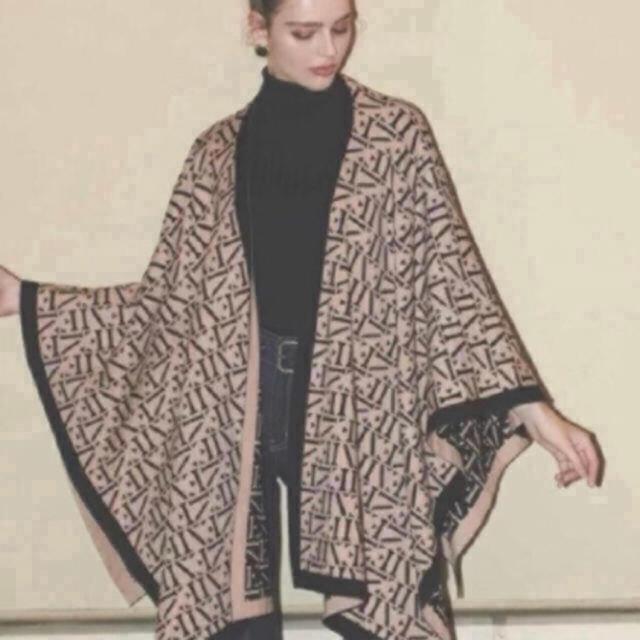 eimy istoire(エイミーイストワール)のモノグラムマント レディースのジャケット/アウター(ポンチョ)の商品写真