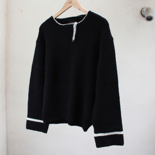 Jieda - soduk 2019AW 2 neck line sweater black