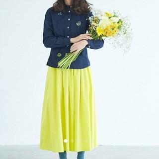 サニークラウズ ミモザの色のスカート