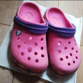 クロックス(crocs)のcrocs クロックス ピンク パープル サイド 迷彩 10/11  17.5㎝(サンダル)