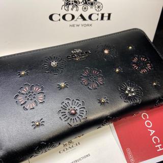 COACH - プレゼントにも❤️新品コーチ正規品 大人の逸品カーフレザー×スタッズ 長財布