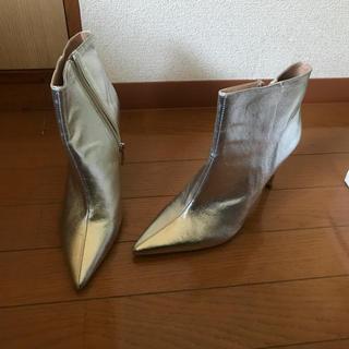 ザラ(ZARA)のZARA ショートブーツ シルバー(ブーツ)