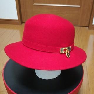 モスキーノ(MOSCHINO)のMOSCHINO 赤帽子(ハット)