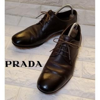 プラダ(PRADA)の【PRADA】プレーントゥ size71/2(約26.5cm)黒茶(ドレス/ビジネス)