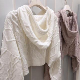 着るだけ可愛いニットパーカー♡白♡ケーブル柄♡ガーリーから大人可愛いコーデに♡(ニット/セーター)
