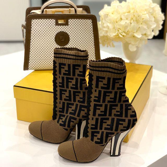 FENDI(フェンディ)の340 新作 美品 フェンディ ズッカ アンクルブーツ レディースの靴/シューズ(ブーツ)の商品写真