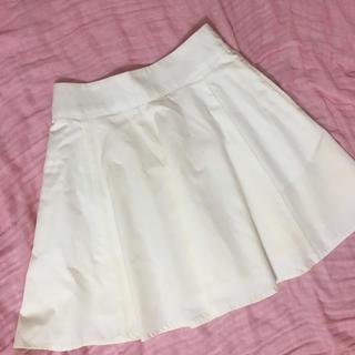 ナイスクラップ(NICE CLAUP)のミニスカート フレアスカート 白(ミニスカート)