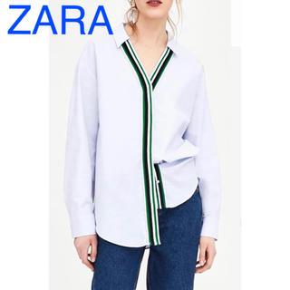 ZARA - ZARA ザラ グリーントリコロールテープ Vネック ブルーシャツ
