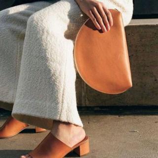 マンサーガブリエル(MANSUR GAVRIEL)のMansur Gavriel マンサーガブリエル Moonclutch bag(クラッチバッグ)