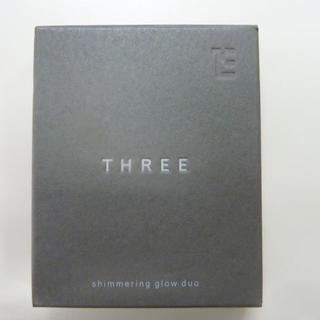 スリー(THREE)のTHREE シマリンググローデュオ (フェイスカラー)