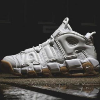 NIKE - NIKE AIR MORE UPTEMPO 白ガム