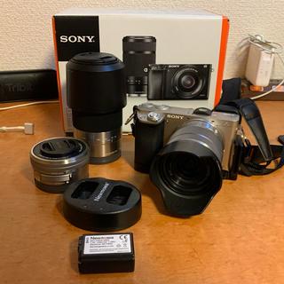 SONY - 期間限定値下げ α6000 ダブルズームレンズ 追加レンズ&おまけ&販売店保証付