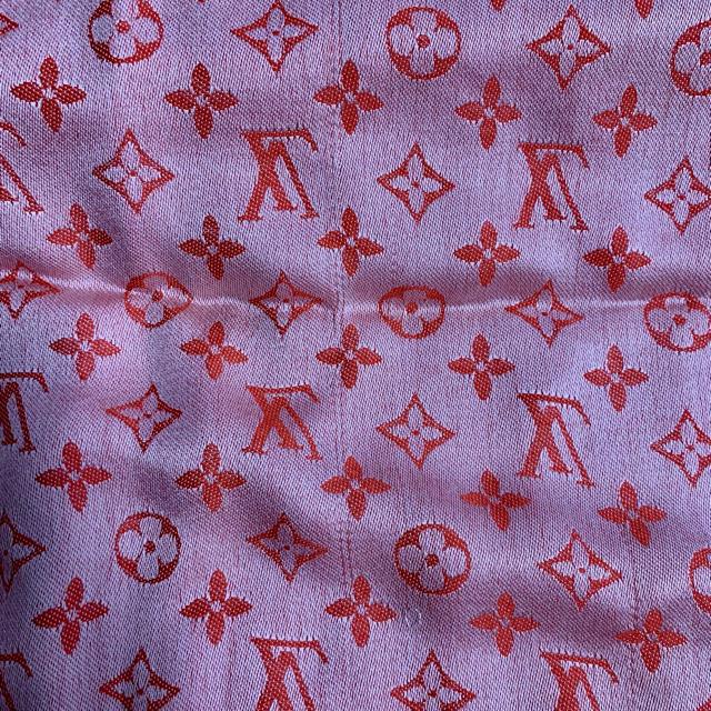 LOUIS VUITTON(ルイヴィトン)のダッフィー様専用 ルイヴィトン ストール レディースのファッション小物(ストール/パシュミナ)の商品写真