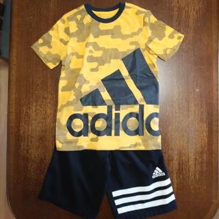 アディダス(adidas)のTシャツとハーフパンツ(Tシャツ/カットソー)